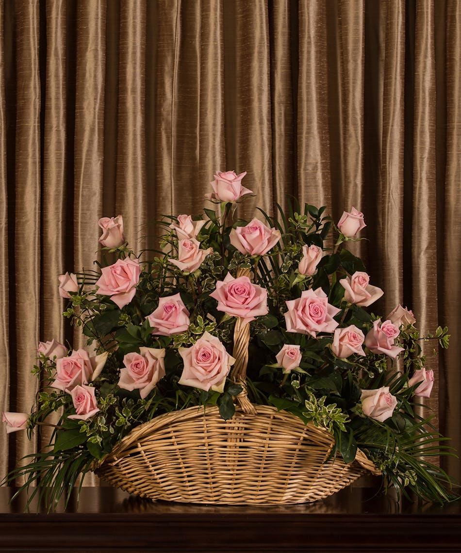 Pink Rose Sympathy Basket Deliery Wilmongton (DE) Boyd\'s