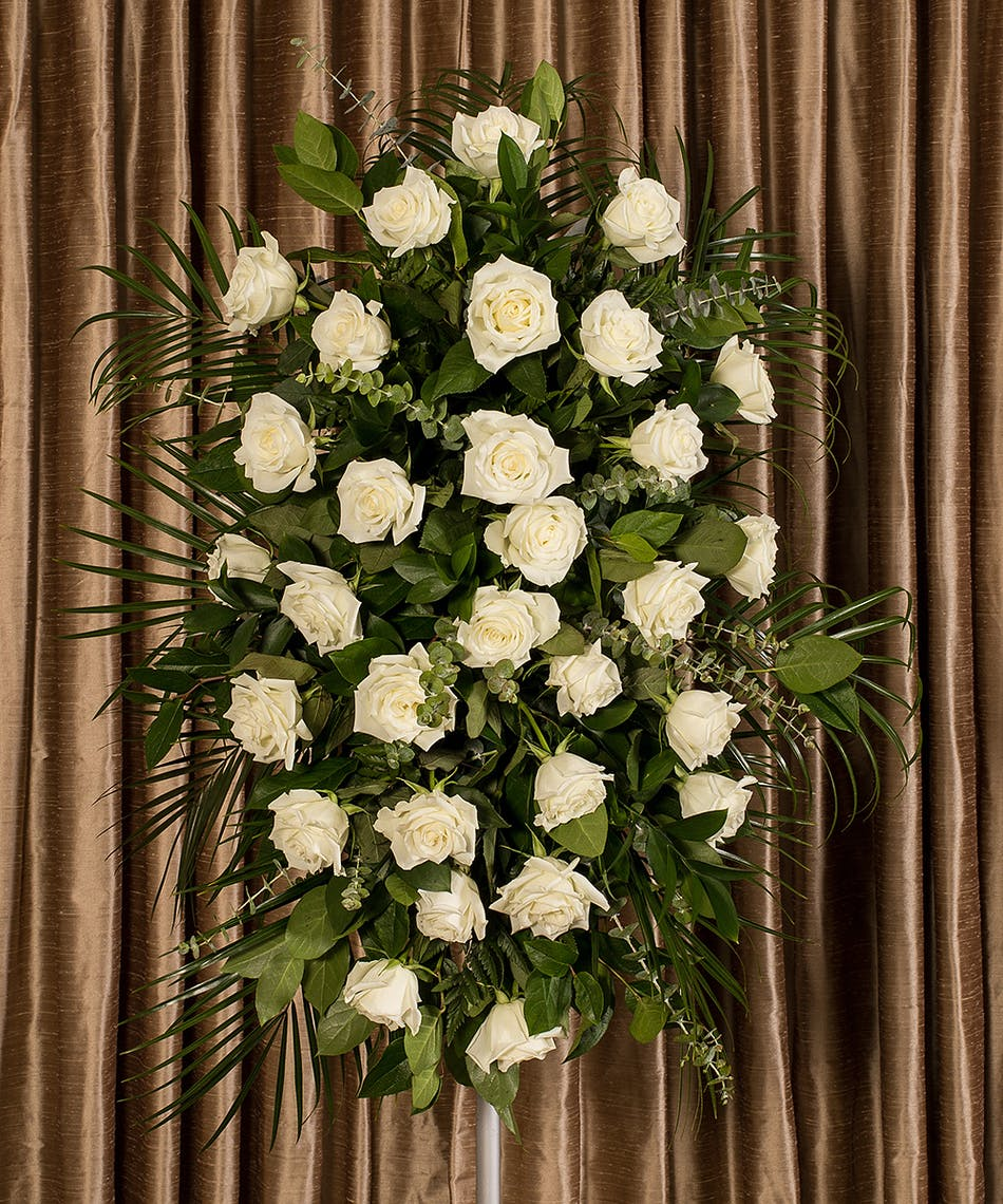 WHITE ROSE EASEL - Flower Products,Boyds Flower Connection.Flower ...